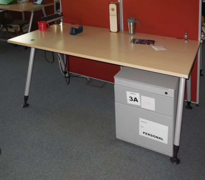 Stoly Steelcase
